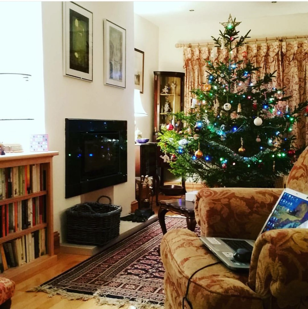 relaxedchristmasmumshouse
