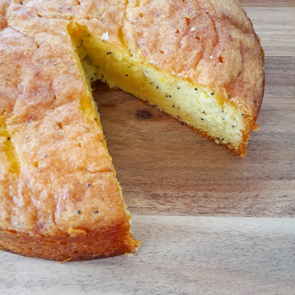 Gluten free lemon and poppyseed cake