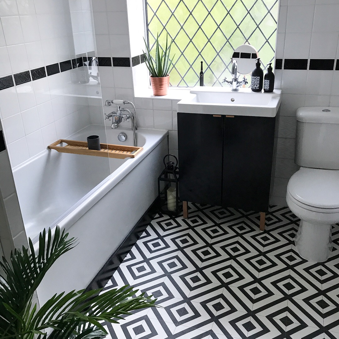 Win Bathroom Makeover: Top Tips For An Easy Bathroom Makeover