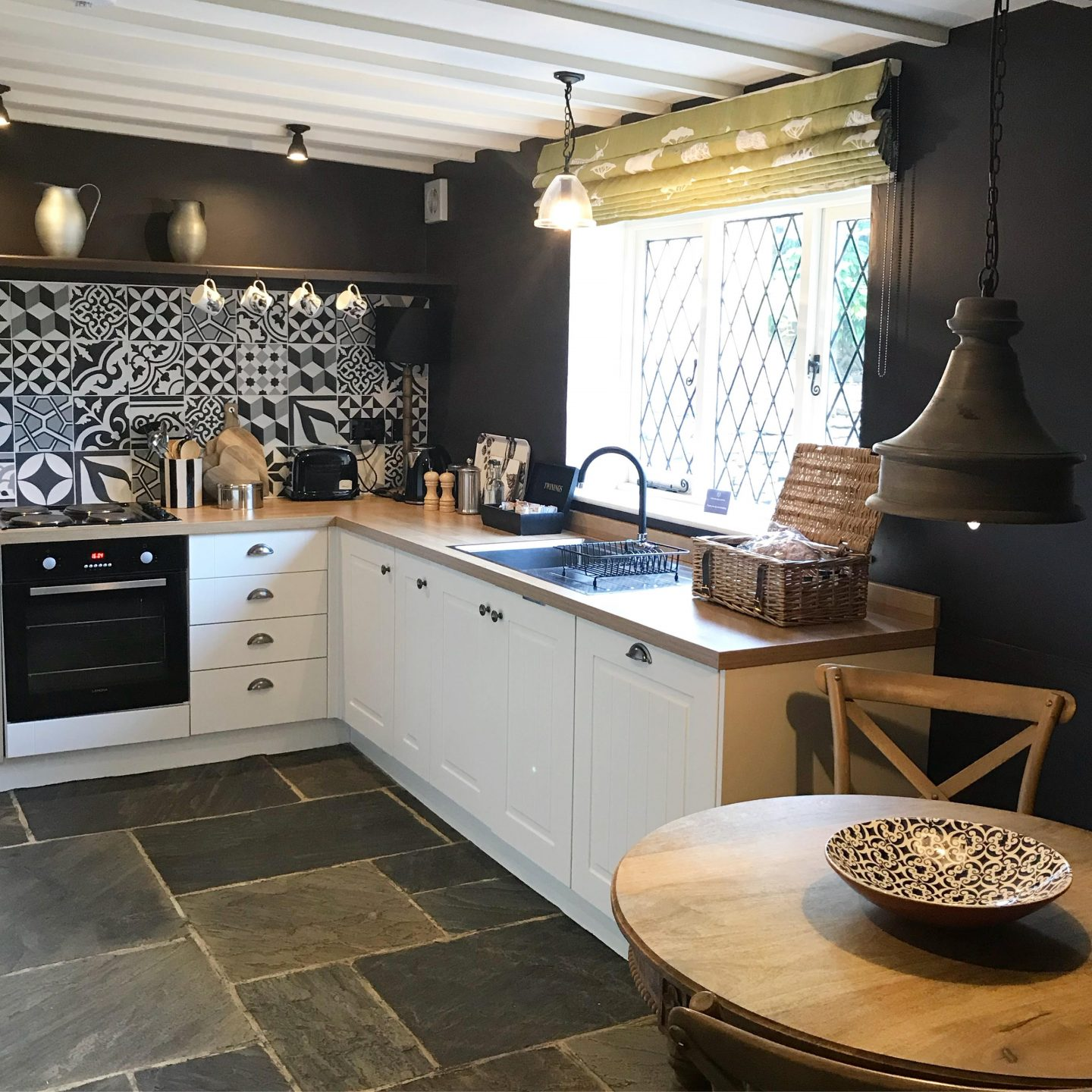 Bumble Bee Cottage Kitchen